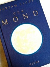 神秘的なお月様のご本が入荷いたしました☆